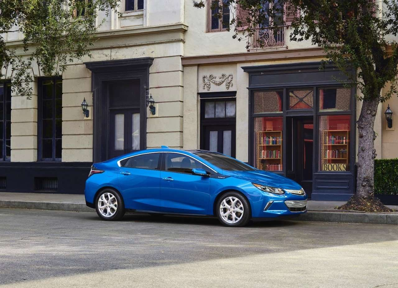 2016 Chevy Volt Offers 53-Mile All-Electric Range – NGTNews